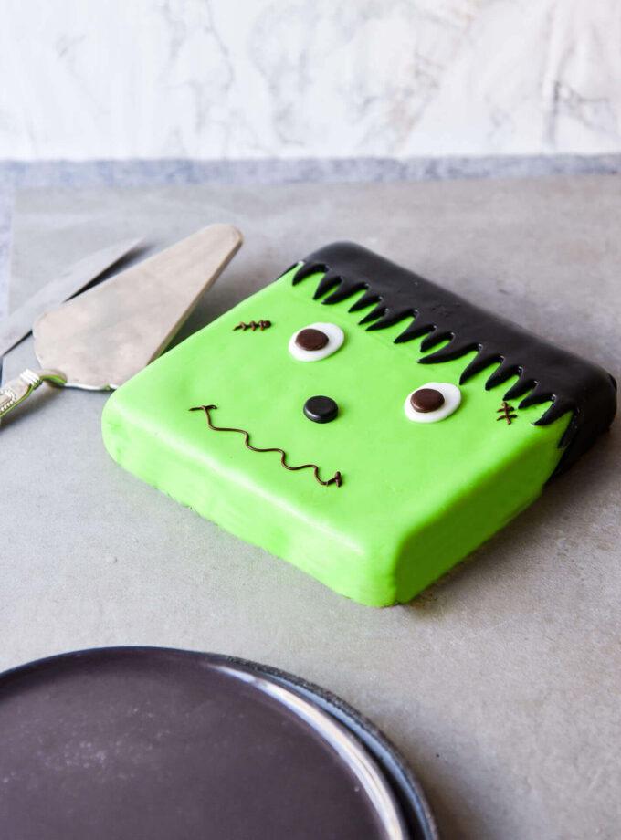 Halloween_Frankenstein Cake